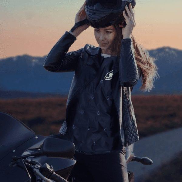 woman wearing exotogg